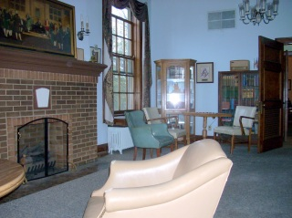 The lounge at the West Allis Masonic Temple